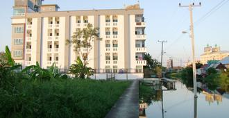 At Ease Residence Suvarnabhumi - Bang Phli - Building