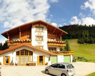 Gästehaus Alpenblick - Berwang - Building