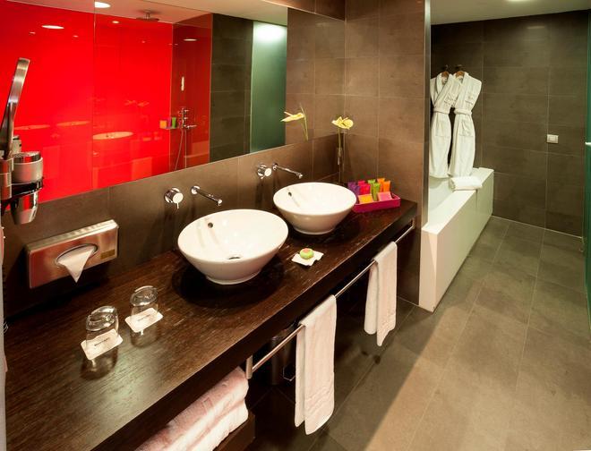 Barceló Valencia - Valencia - Bathroom