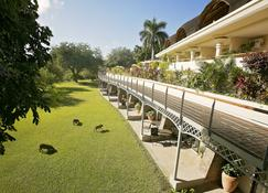 Ilala Lodge Hotel - Victoria Falls - Rakennus