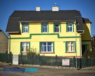 Penzion Slunecnice Dvur Kralove nad Labem - Dvůr Králové nad Labem - Gebäude
