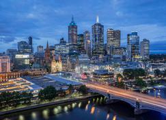 Quay West Suites Melbourne - Melbourne - Outdoor view