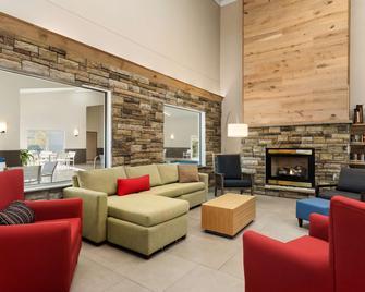 Country Inn & Suites by Radisson, Platteville, WI - Platteville - Living room