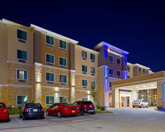 Best Western Plus Buda Austin Inn & Suites - Buda - Building