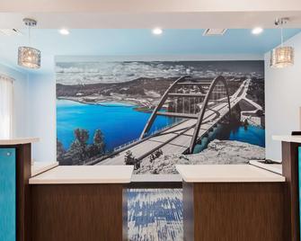 Best Western Plus Buda Austin Inn & Suites - Buda - Front desk