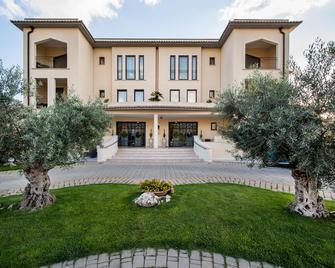 Best Western Premier Villa Fabiano Palace Hotel - Ренде - Здание