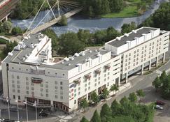Original Sokos Hotel Vantaa - Vantaa - Budynek