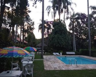 Hotel Fazenda Bandeirantes - Ibiúna - Piscina