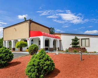 Motel 6 Salem - Va - Salem - Building