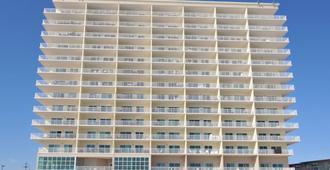 Crystal Shores by Wyndham Vacation Rentals - Gulf Shores - Building
