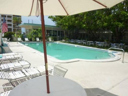 Malibu Resort Motel - North Redington Beach - Pool