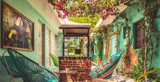 Casa Del Pozo Boutique Hostel - Cartagena - Patio