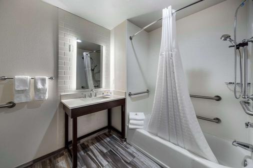 Comfort Inn & Suites Oklahoma City South I-35 - Oklahoma City - Phòng tắm