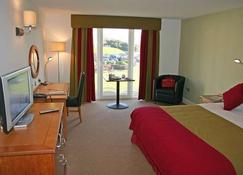Towers Hotel & Spa - Swansea - Soverom