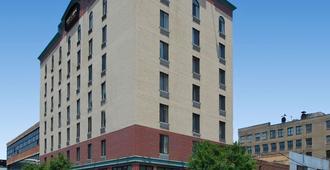 Red Lion Inn & Suites Long Island City - Queens - Building