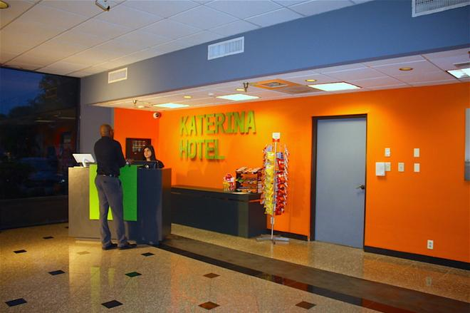 Katerina Hotel - Orlando - Front desk