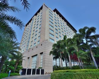Radisson Blu Hotel Indore - Indore - Building
