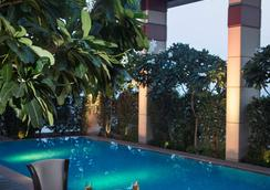 Radisson Blu Hotel Indore - Indore - Uima-allas