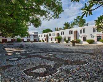 Hacienda Jurica by Brisas - Santiago de Querétaro - Building