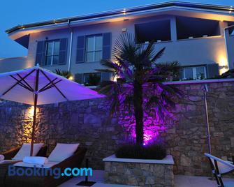 Zeno Suites - San Zeno di Montagna - Building