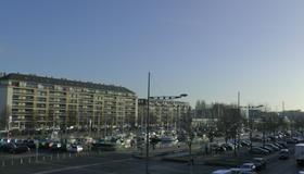 Hotel De l'Univers - Caen - Exterior