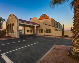Motel 6 Benson - Benson - Budova