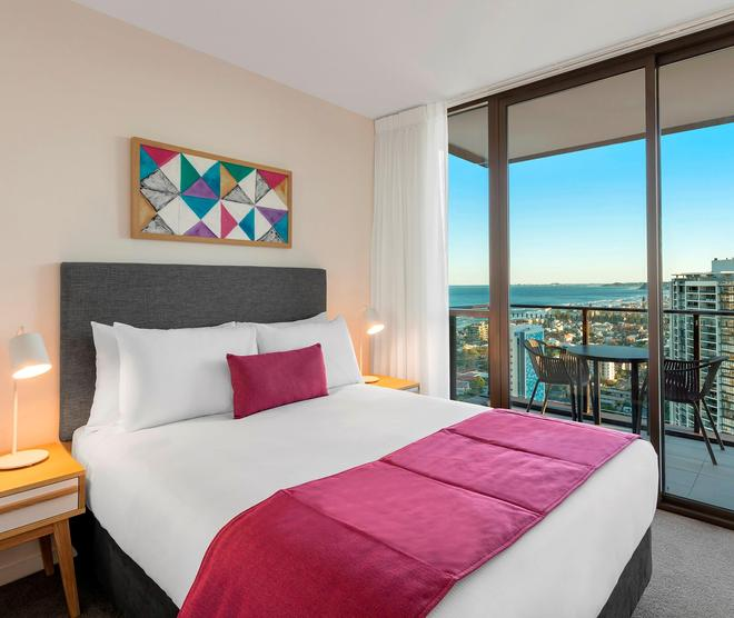 Avani Broadbeach Gold Coast Residences - Mermaid Beach - Bedroom