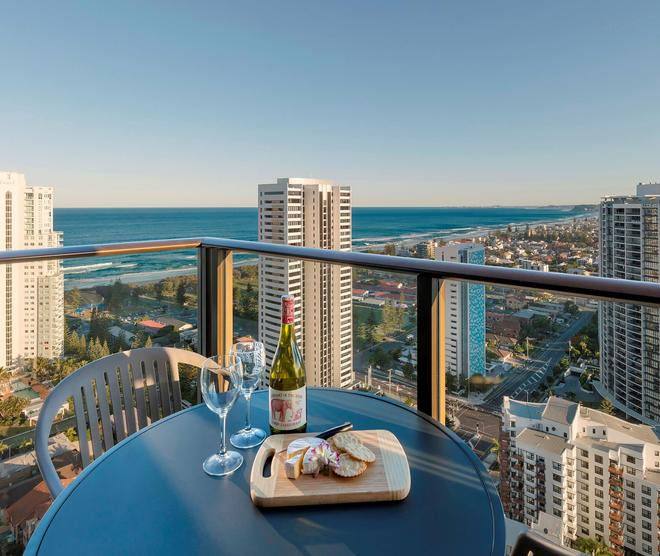 Avani Broadbeach Gold Coast Residences - Mermaid Beach - Balcony