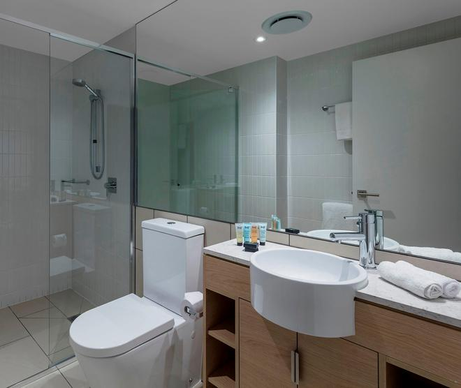 Avani Broadbeach Gold Coast Residences - Mermaid Beach - Bathroom