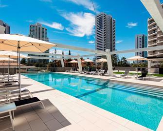 Avani Broadbeach Residences - Mermaid Beach - Pool