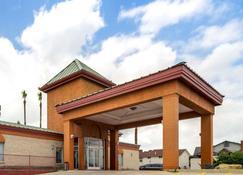 Econo Lodge Inn and Suites Eagle Pass - Eagle Pass - Edifício