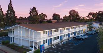 Motel 6 Santa Barbara - Goleta - Schoner - Gebäude