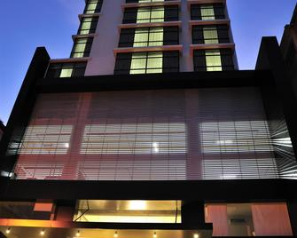 Best Western Plus Panama Zen Hotel - Panama City - Building