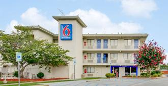 Motel 6 Columbia West - Columbia - Building