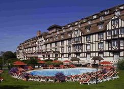 Hôtel Barrière L'hôtel Du Golf Deauville - Deauville - Toà nhà
