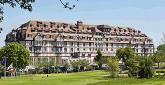 Hôtel Barrière L'hôtel Du Golf Deauville - דואו-וויל