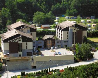 Résidence Lagrange Vacances Cybele - Brides-les-Bains - Building
