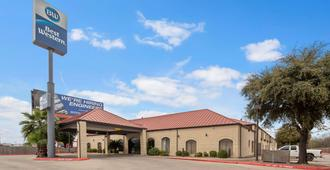 Best Western Ingram Park Inn - San Antonio - Edificio