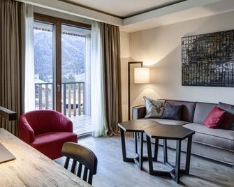 Grand Hotel Courmayeur Montblanc - Courmayeur - Living room