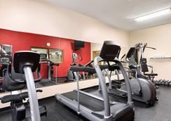 Country Inn & Suites by Radisson, Kearney, NE - Kearney - Γυμναστήριο