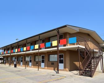 Westgate Inn - Portage la Prairie - Building
