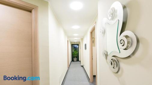 Hotel Residenza Gra 21 - Rome - Hallway
