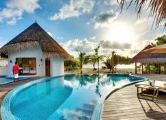 Hideaway Beach Resort and Spa - Dhonakulhi Island - Pool