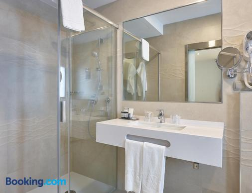 Hotel Maestranza - Ronda - Bathroom