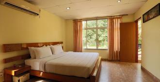 Spring Valley Resort - Guwahati - Bedroom