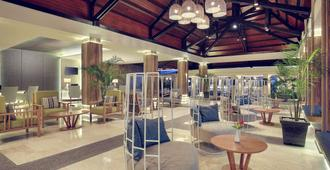 Mercure Manado Tateli Resort and Convention - Manado - Building