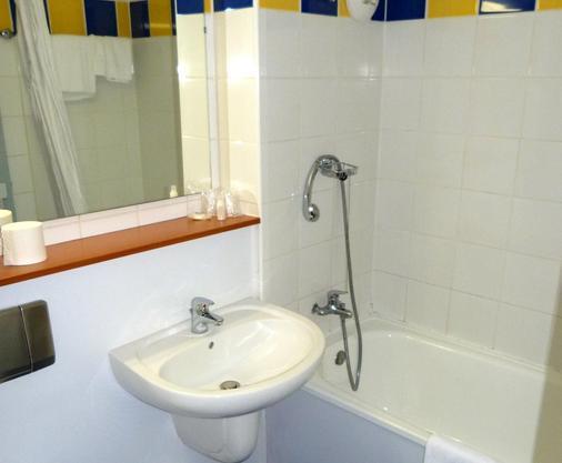 Kyriad Bergerac - Bergerac - Bathroom
