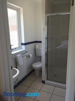 Leeford Place Hotel - Battle - Bathroom