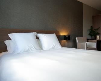 BHB Hotel - Баньоль-сюр-Сез - Bedroom