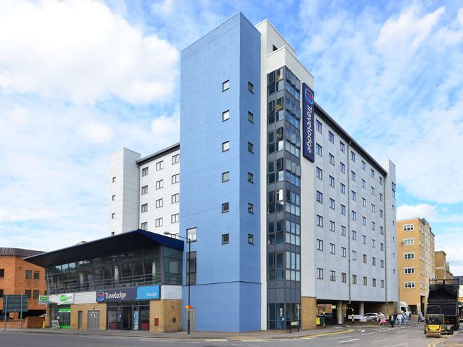 Travelodge Slough - Slough - Building
